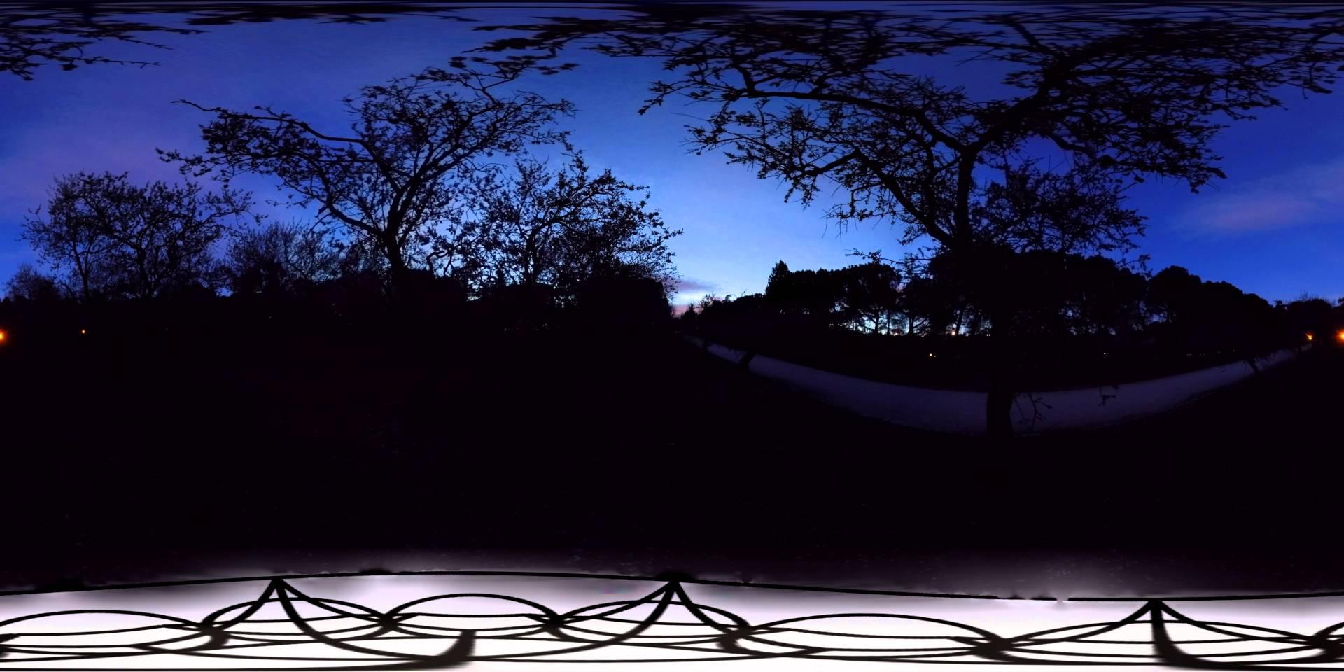 8K Timelapse de Vídeo 360º del atardecer en la Quinta de Los Molinos de Madrid
