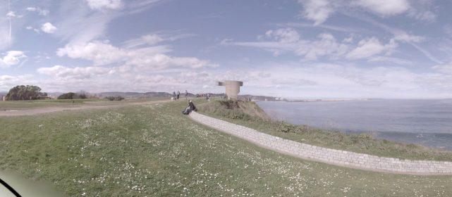 El Cantábrico desde el Cerro de Sta. Catalina de Gijón junto al Elogio del Horizonte de Chillida