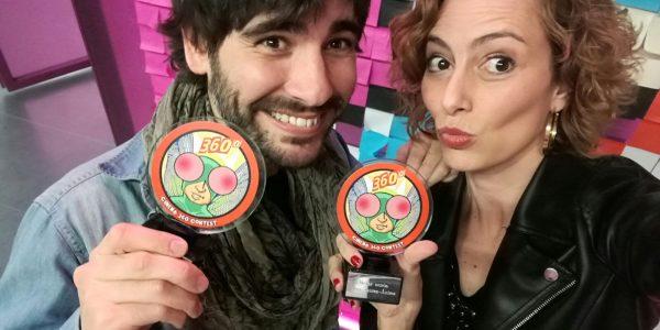 Elías y Yaiza con los premios